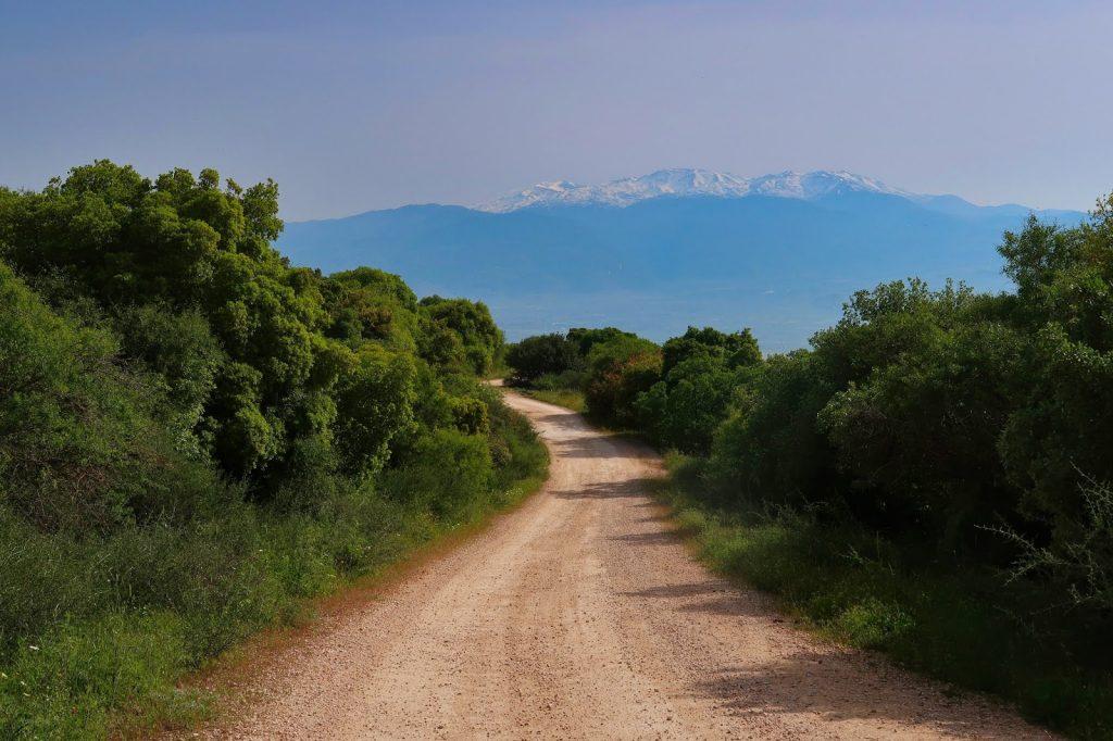 Výhled na horu Hermon z Israel National Trail