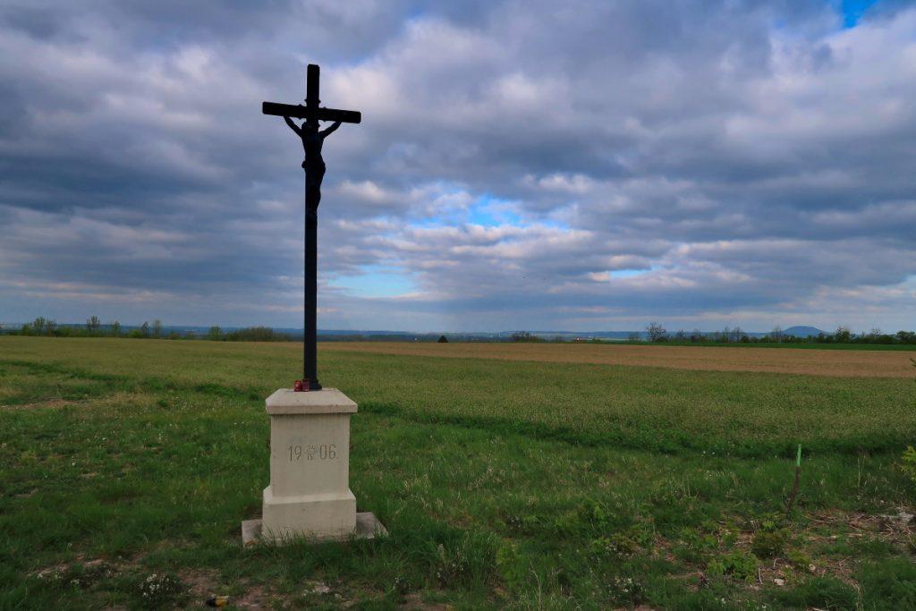 Poutní cesta Blaník Říp kříž