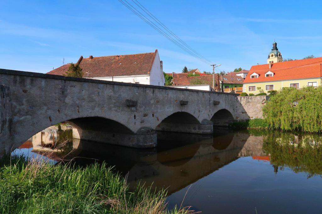 Most v Putimi