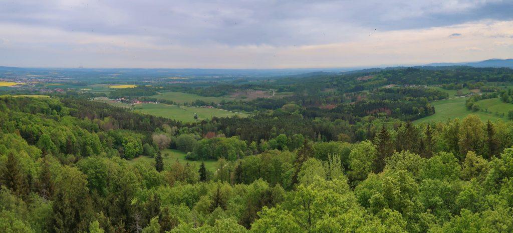 Pohled z rozhledny Haniperk Prácheňsko
