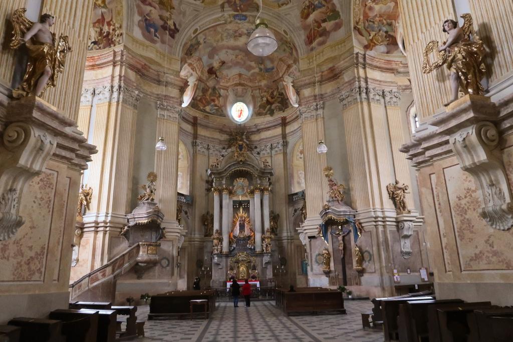 Křtiny kostel